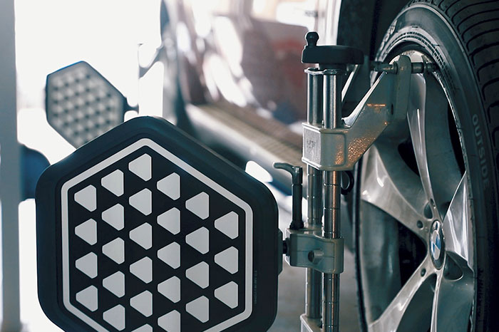 Сход-развал BMW X6, 2015